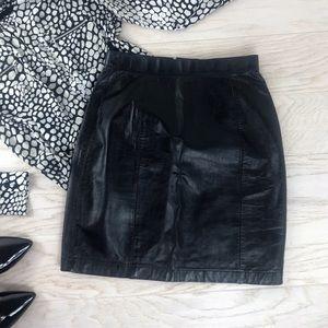 Wilson Leather / Black High Waist Short Skirt 8 M